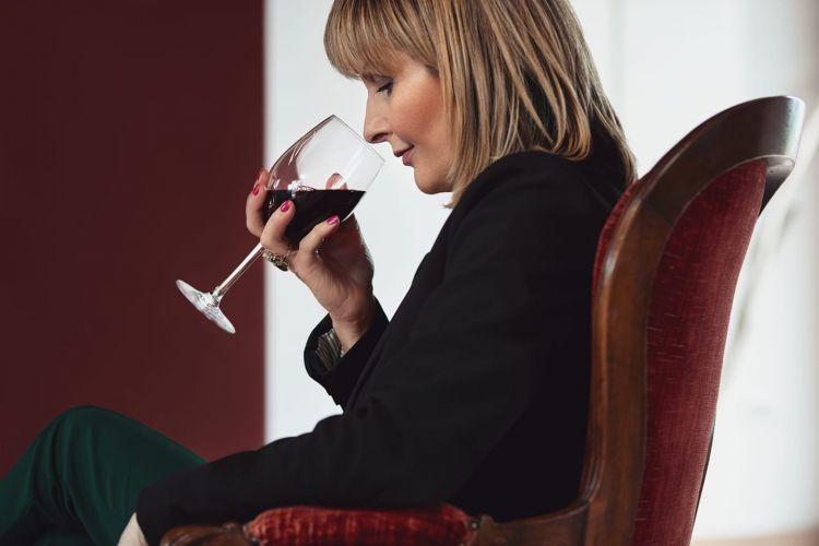 Graziana Grassini, toscana d'origine, è diventata famosa per il suo lavoro sui profumi e sui vini rossi