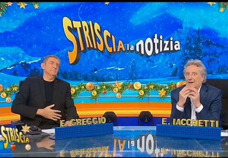 Ezio Greggio ed Enzo Iacchetti in studio a Striscia la notizia