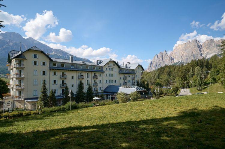 L'Hotel Cristallo di Cortina esiste dal 1902