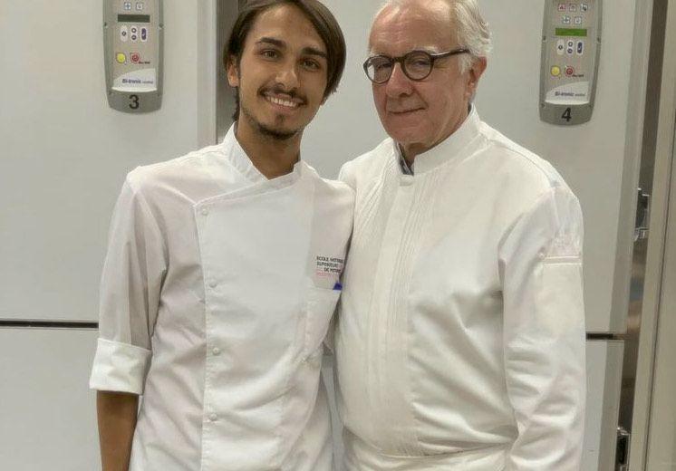 Il più giovane della famiglia, Ignazio, con il maestro Alain Ducasse. Ignazio ha frequentato l'ENSP,École Nationale Supérieure de Pâtisserie di Parigi per approfondire le tecniche di base della pasticceria francese