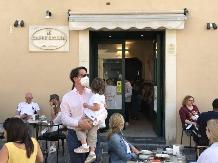 The entrance of Caffè Siciliaon Corso Vittorio Emanuele, Noto