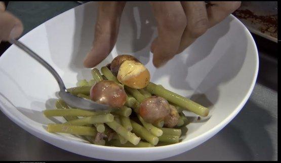 Bigoli dicampo, cioè talli d'aglio con uova embrionali, sarde di lago e formagetta di Roccaverano