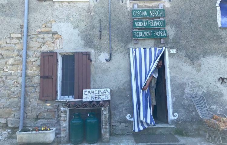 L'entrata di Cascina Nerchi, ad accoglierci è Andrea Signori
