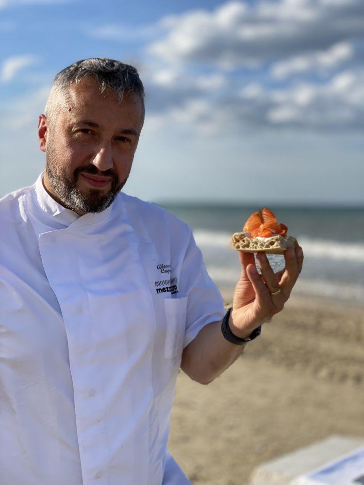 Alessandro Coppari, chef e patron della pizzeria Mezzometro