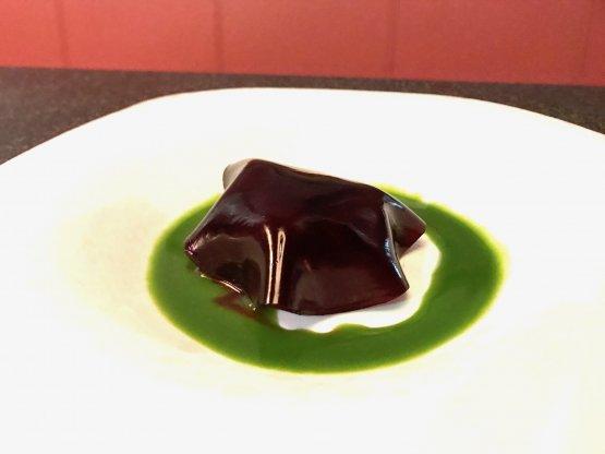 Sgombro marinato 45 minuti in sali bilanciati, alga kombu e katsuobushi