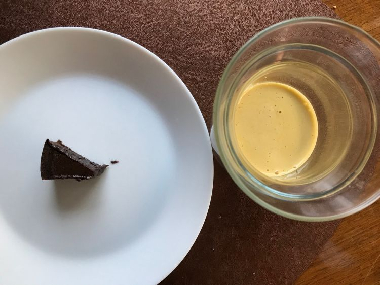 Piccolo finale dolce: Crostatina al cioccolato fondente 70% Bodrato e Zabaione alla camomilla (ossia conElisir alla camomillaBordiga)