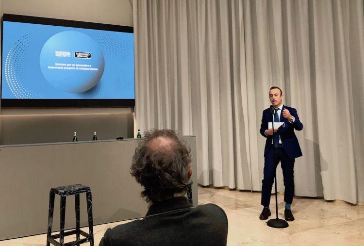 L'intervento del presidente Nicola Bertinelli sotto lo sguardo di Massimo Bottura