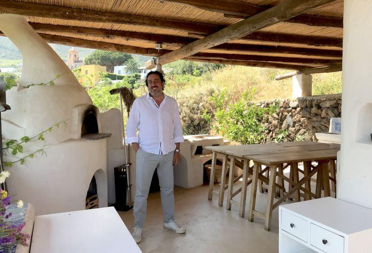 Luca Caruso nel nuovo ristorante Carrubo, sempre al Signum