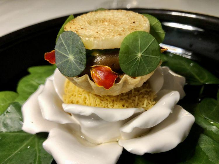 Beetroot and lamb tartelette, nasturtium and calendula