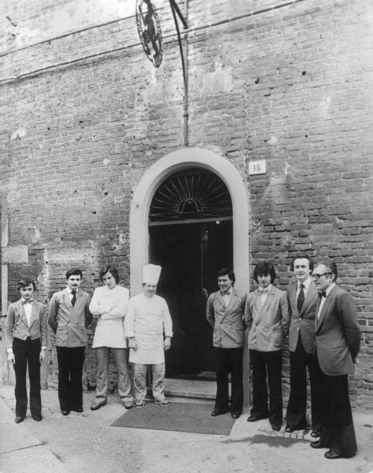 L'inaugurazione dell'Antica Osteria del Teatro.FotoArchivio quotidiano Libertà, un ringraziamentoa Giorgio Lambri