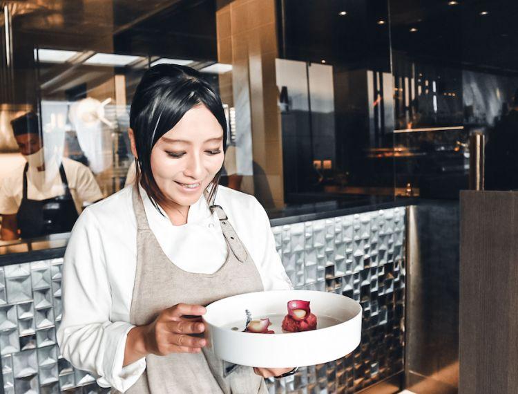 Jun Giovannini, chef giapponese di MU fish a Nova Milanese