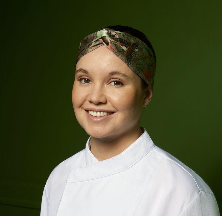 Karime Lopez, chef del ristorante Gucci Osteria a Firenze, premiata da Camilla Cancellieri, Brand Manager di S.Pellegrino- Acqua Panna