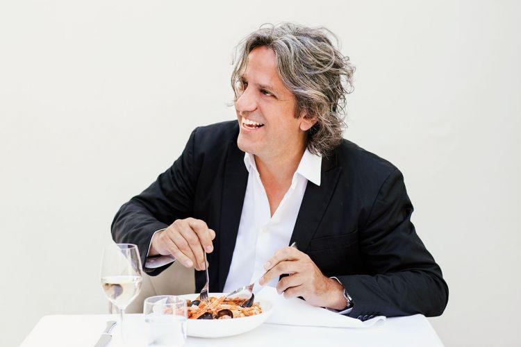 Locatelli è tra i giudici di MasterChef Italia, show di Sky prodotto da Endemol Shine Italy in onda ogni giovedì alle 21.15 su Sky Uno e su NOW TV