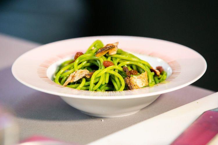 Spaghetti, sedano, missoltino & uvetta all'anice