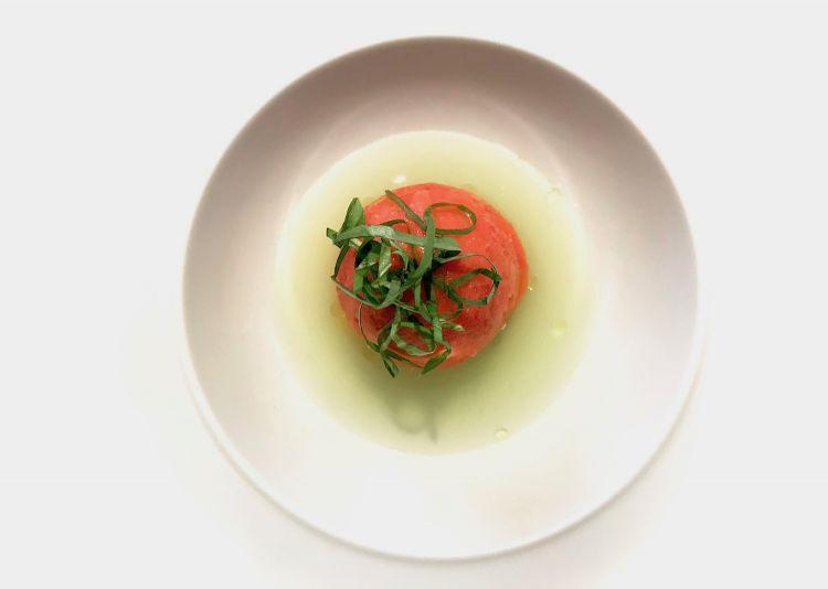 """""""Insalata di pomodoro"""", acqua di cetriolo, olive taggiasche"""