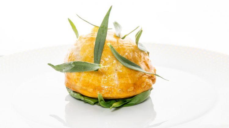 Torta di carciofi:«Ho lavorato a lungo sull'elemento vegetale nei miei menu alLume, esplorando anche singoli ingredienti. Questo piatto era uno dei cinque che proponevo a base di questo ortaggio»