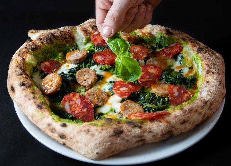 """La pizza """"C'era una volta"""" di Madremia a Sirignano (Avellino), questa settimana aperta tutti i giorni (a pranzo)"""