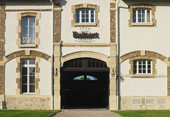 The entrance to the Maison in Reims