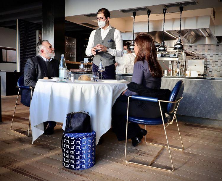 Giampiero Compare al tavolo.Foto Andrea Esse Life Photography