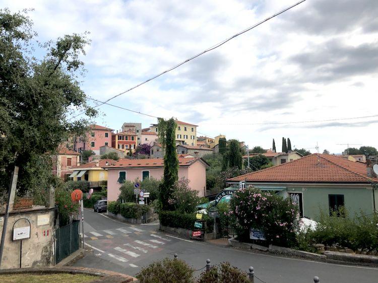 Uno scorcio di Montamarcello, splendido borgo in provincia di La Spezia