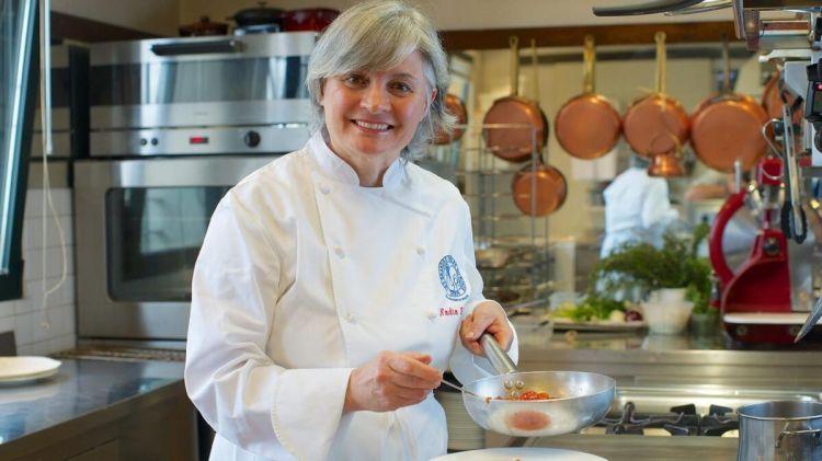 Nadia Santini, ristorante Dal Pescatore in localitàRunate (Mantova),prima donna italiana aottenere 3 stelle Michelin, nel 1996