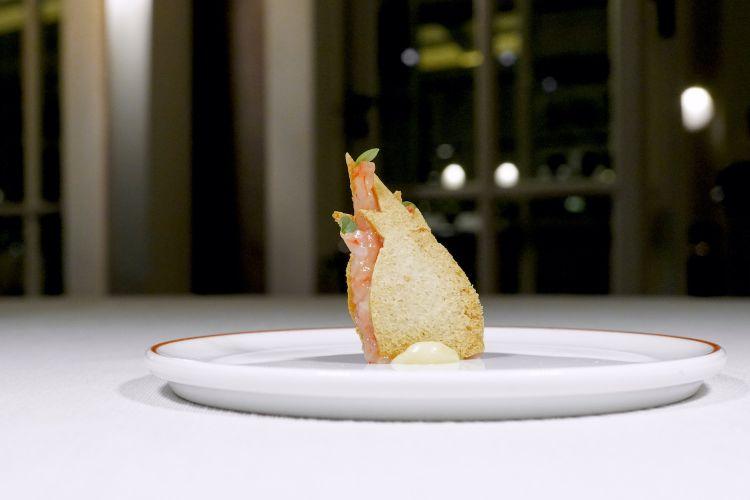 Sandwich di gamberetto di nassa e maionese del suo corallo