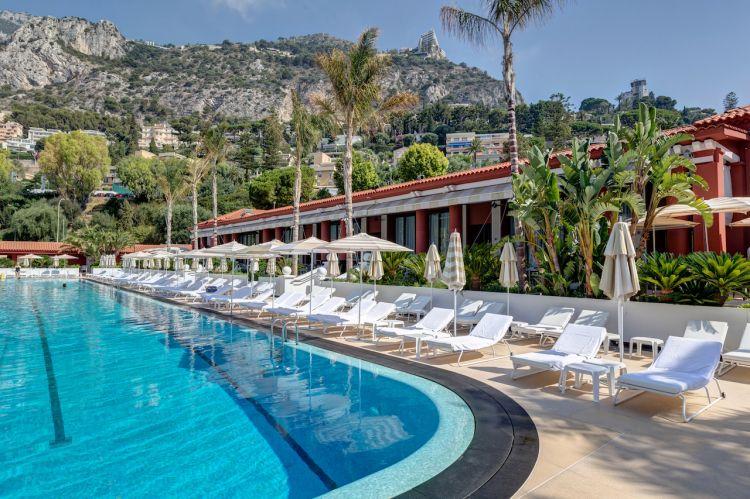 La piscina del Monte-Carlo Beach