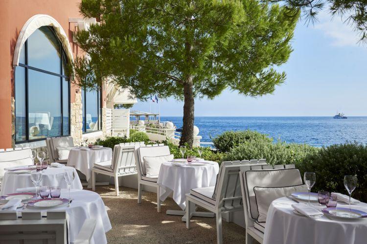 Il ristorante stellato Elsa, del Monte-Carlo Beach, hotel di lusso a Monte Carlo