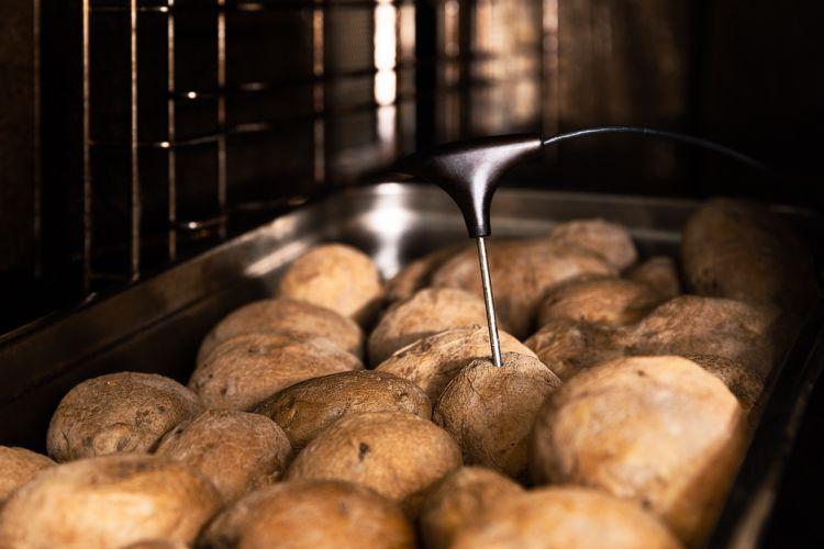 La doppia cottura: prima alvapore e poi, sotto, la frittura