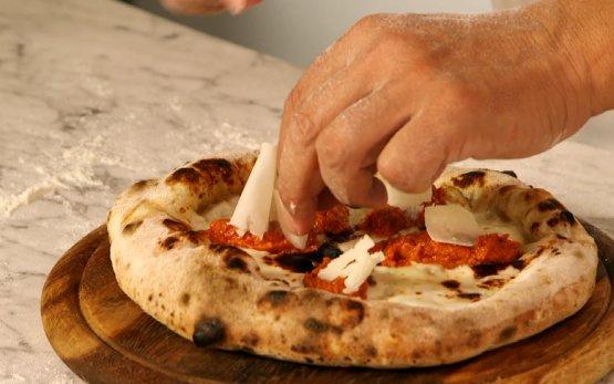 Due delle pizze proposte da Franco Pepe durante la sua lezione hanno avuto come protagonista il Grana Padano (nella varietà 12 mesi): la pizza Scarpetta...