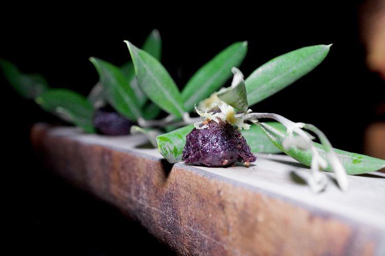 Buonissime anche le Olive croccanti, limone e cumino