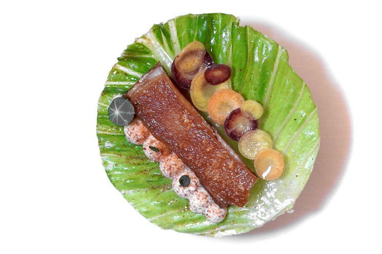 Taco: insalata marinata, maialino, carote baby, cetriolo fermentato, maionese di ostrica. Altra ideadi gran livello