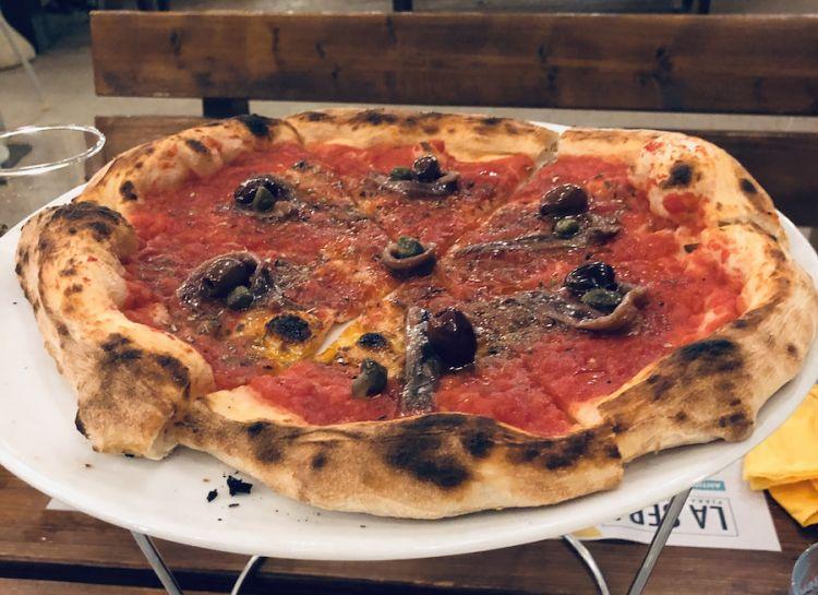 Pizza vista mare: Rossa rossissima