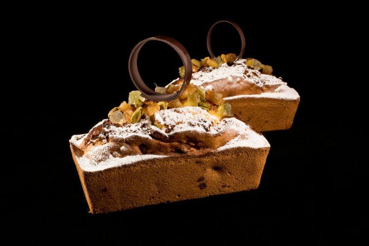 Plum cake ai pistacchi, uvetta e canditi