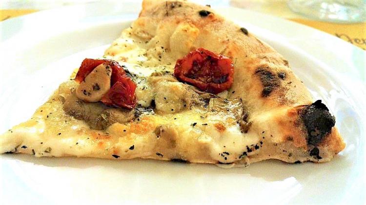 La pizza Profumi del Matesedi Franco Pepe
