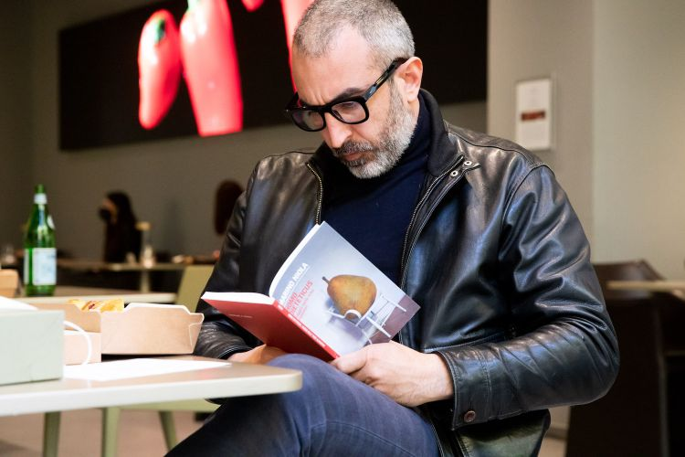 Nell'attesa, Mauro Buffo legge Marino Niola