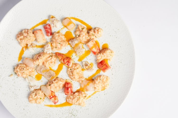Risotto with seafood and champagne