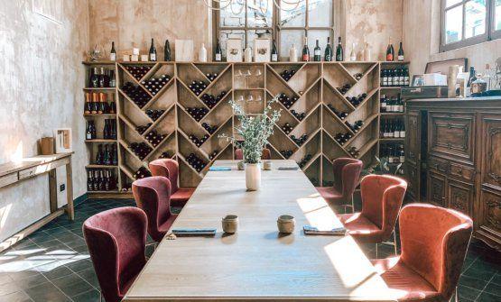 La sala del ristorante Duoa Chiavari (Genova), il progetto della coppia - nel lavoro e nella vita - di giovani talenti, composta da Lucia De Prai (pasticciera) e Marco Primiceri (cuoco)
