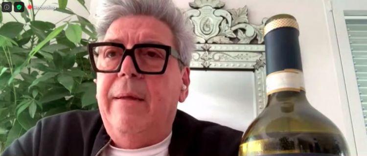 Aldo Cifola della Monacescadurante la degustazione