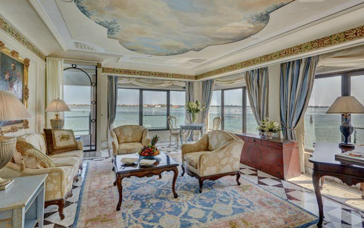 Dettaglio di una delle suite del Belmond Hotel Cipriani
