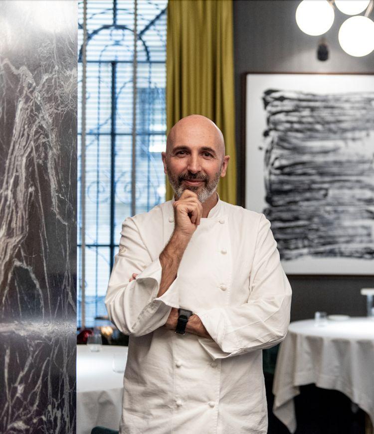 Andrea Ribaldone responsabile dell'offerta gastronomica di Identità Golose Milanoe di prestigiose strutture fra cui il nuovo ristorante gastronomico Lino, nel centro storico di Pavia