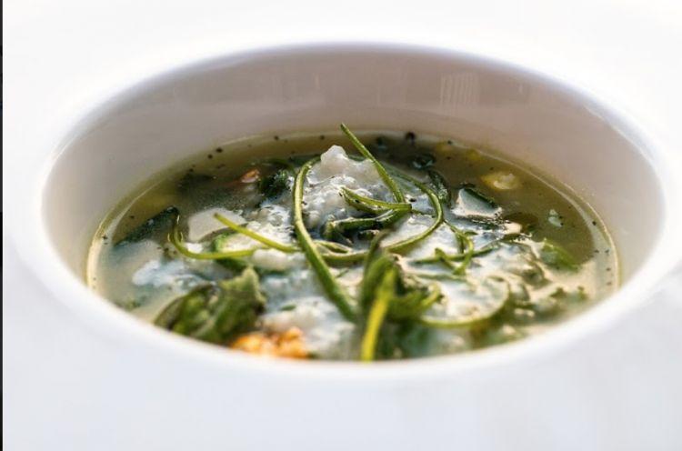 Zuppa di riso spezzato zucchine e alloro di Antonia Klugmann