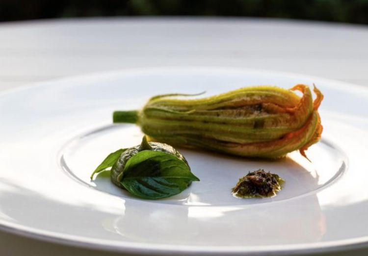Fiore di zucchina ripieno firmato da Manon Fleury