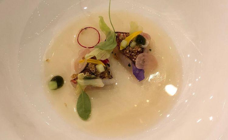 Triglia Marinata con cetriolo, ravanello, verbena e uva bianca in infuso ghiacciato