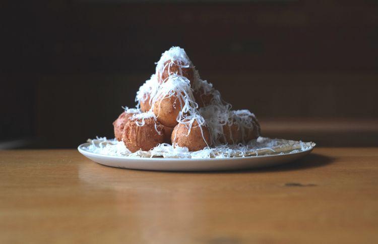 Parmigiano Reggiano 40 mesi e frìtole, del ristorante Atelje in Slovenia