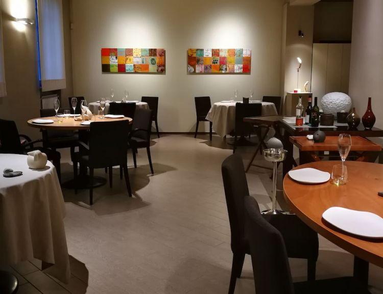 Una sala interna del Tantris a Novara