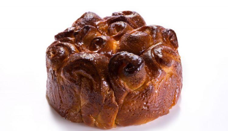La Torta di rose è un classico amatissimo di Contraste, proposta anche dal menu di ROC