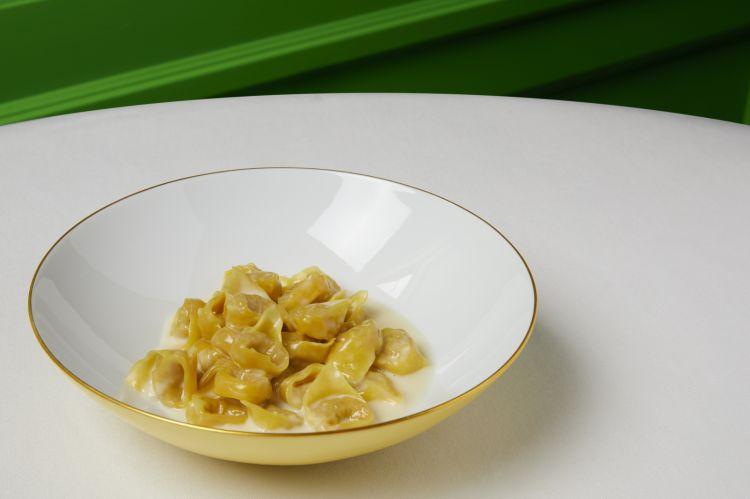 Tortellini con crema di Parmigiano Reggiano
