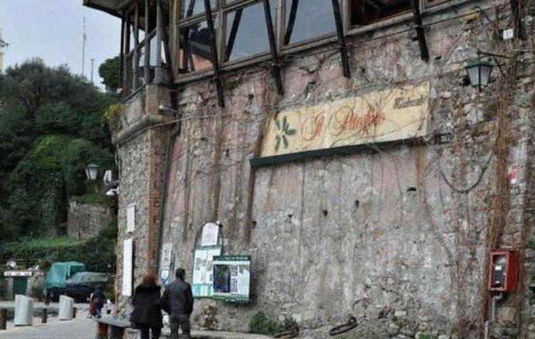 L'esterno del Pitosforo a Portofino durante i quattro anni di chiusura