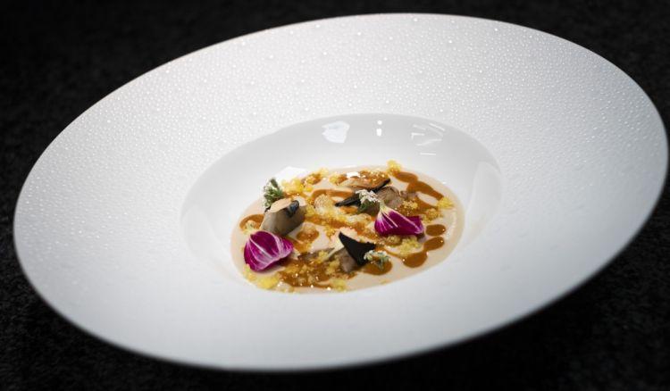 Vellutata di topinambur, alici salate e ricci di mare(le foto dei piatti sono di Carlo De Gori)